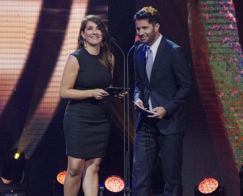"""Mariana Loyola y Cristián Arriagada, presentadores de los ganadores de """"Mejor Actor y Actriz de Soporte en """"Categoría Cine"""""""