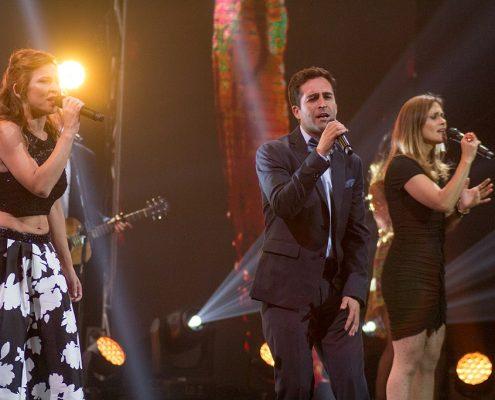 Para cerrar la noche, Sigrid Alegría, Nicolás Poblete y Amaya Forch cantaron temas de reconocidas películas chilenas.